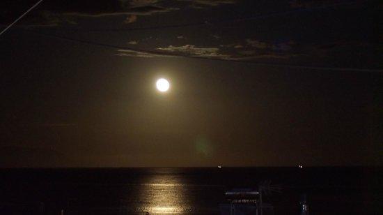 Studios Athina : sea and moon