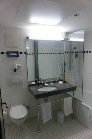Badezimmer bild von nestor hotel ludwigsburg - Ludwig badezimmer ...