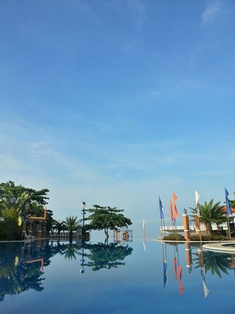 Estrellas de Mendoza Playa Resort: Infinity pool