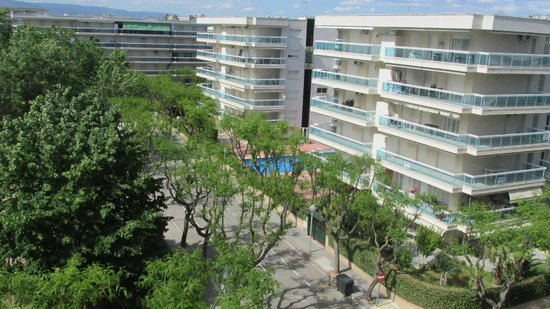 H10 Vintage Salou : Across to other hotels
