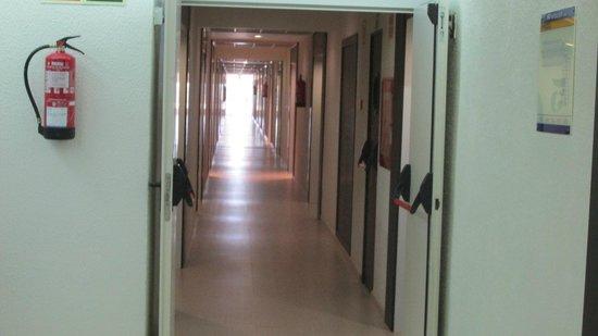 H10 Vintage Salou : Long Corridor