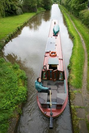 Wandering Duck Canal Boat Tours: Our lovely host Ruth at the rudder - its a big boat