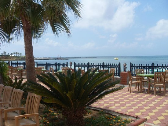 Lonicera World Club & Beach: Вид на море
