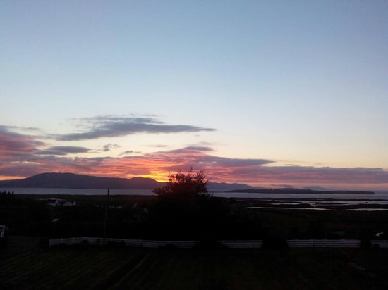 Strathgorm Bed and Breakfast : Red Sky