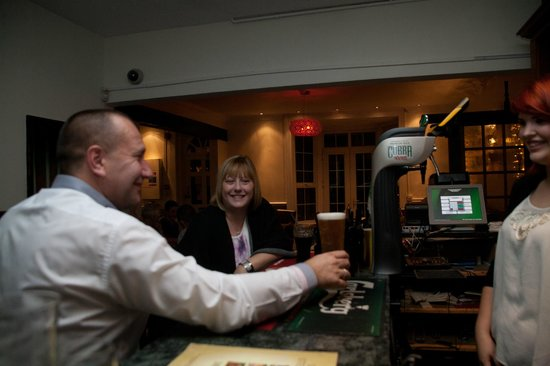 Seattle SteakHouse Restaurant: Guests Being Served At The Bar