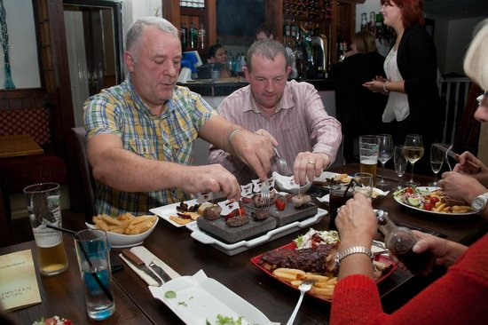 Seattle SteakHouse Restaurant: Guests Enjoying Their Meals