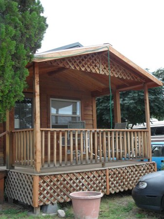 Stampede RV Park and B&B: Outside the cabin