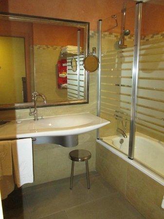 Hotel Becquer : salle de bains