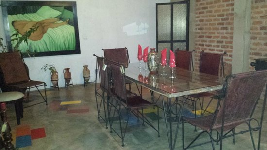 Restaurante Ciudad Lounge: Open air dining area