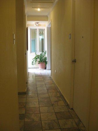Coral Princess Hotel: Hallway