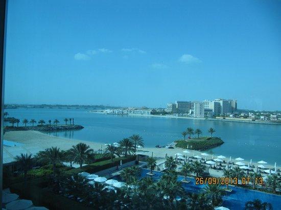 Fairmont Bab Al Bahr: Uitzicht vanuit onze kamer.