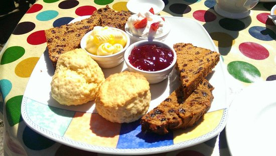 Cemlyn Tea Shop: Welsh afternoon tea on the terrace