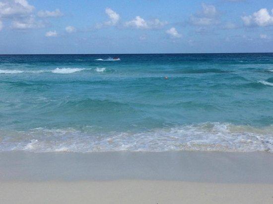 Gran Caribe Resort: Divine Beach - clean white sands and beautiful blue water ocean