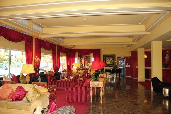 Hotel Adua & Regina di Saba : холл