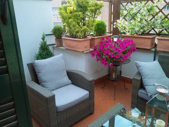Althea Inn Roof Terrace: Terrace
