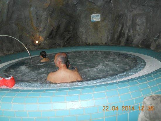 piscina - Picture of Naturno Adventure Pool - TripAdvisor