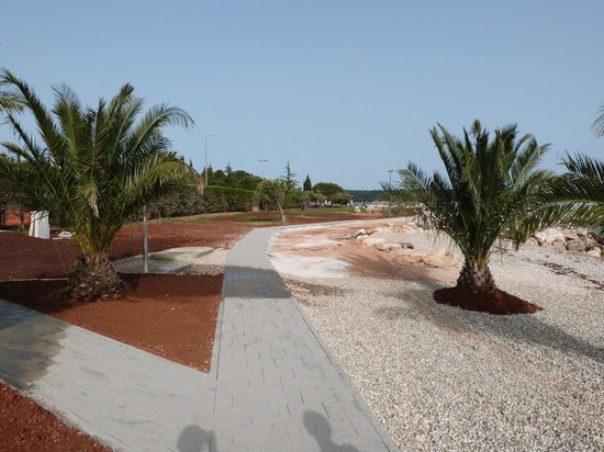 Aminess Maestral Hotel: Beach Path