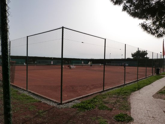 Aminess Maestral Hotel: Tennis Courts