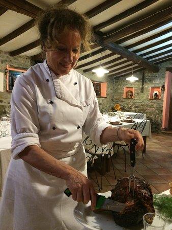 I Gustasapori: Donatella serves us our main course