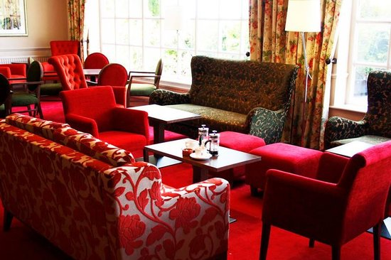 Best Western Reigate Manor Hotel: The Lounge