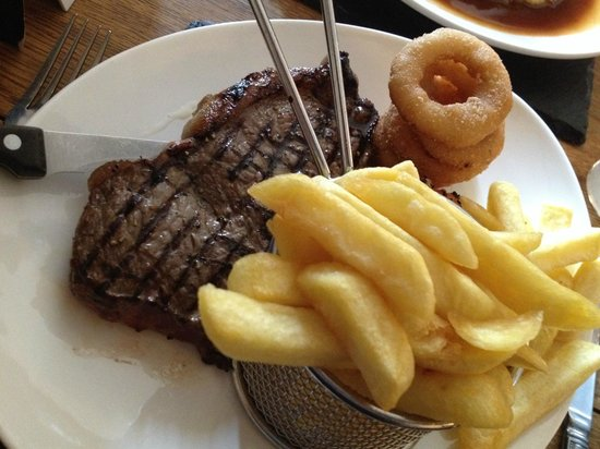 Plough Inn at Ford: Scotch sirloin steak with chips and onion rings