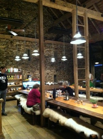 Wyebrook Farm Cafe and Market: inside the market/cafe