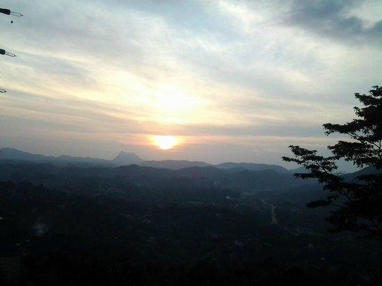 Randholee Resort & Spa: Sunset