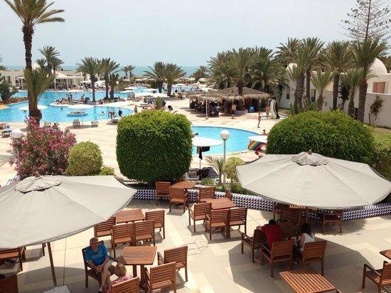 El Mouradi Djerba Menzel: Piscine/terrasse principale