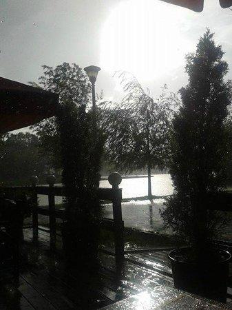 Parcul Alexandru Ioan Cuza: heavy rain