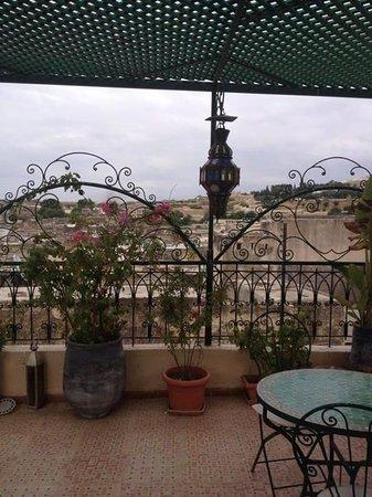 Riad Dar Guennoun: terrace