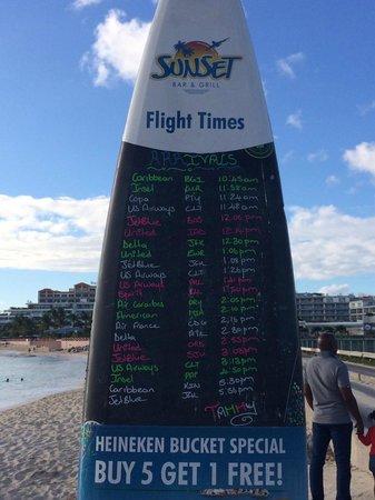 Sunset Beach Bar: Surf board plane arrivals