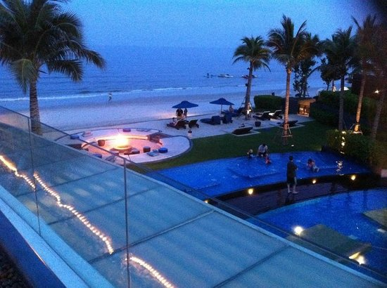 InterContinental Hua Hin Resort: View from bar