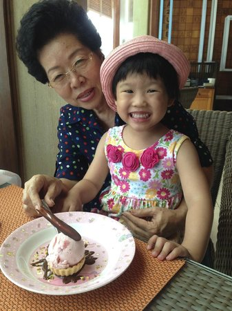 InterContinental Hua Hin Resort : mama & lovely niece