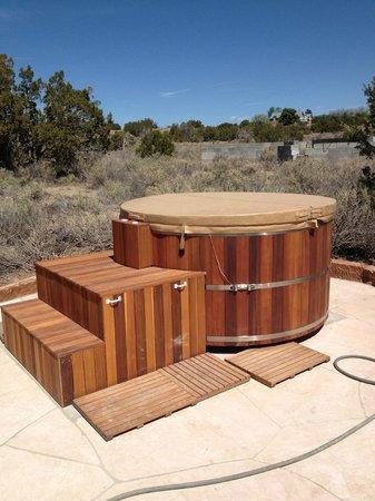 Rancho Gallina: Cedar Tub Under the Stars