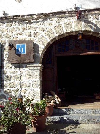 Hotel Restaurante Arimune: entrada