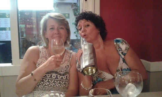 Two Palms Restaurant: Anna and Tracey