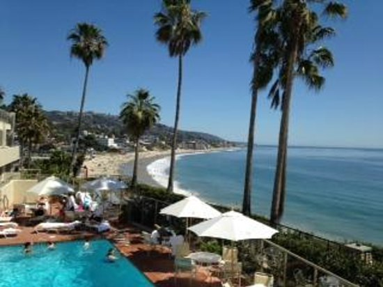The Inn At Laguna Beach: Our GORGEOUS view from the patio outside our room.