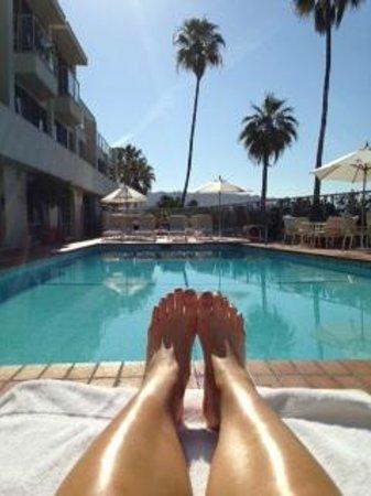 The Inn At Laguna Beach: Taking in the California sunshine!