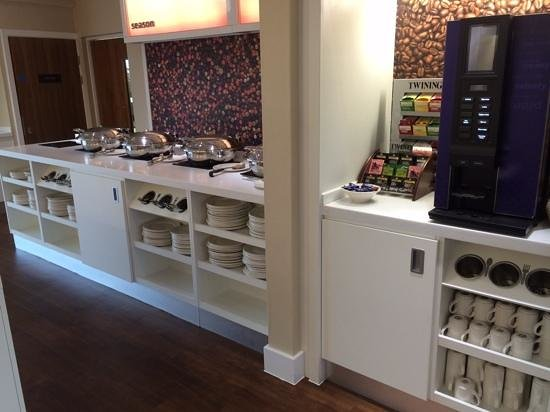 Hampton by Hilton Exeter Airport: Coffee Tea and Hot breakfast
