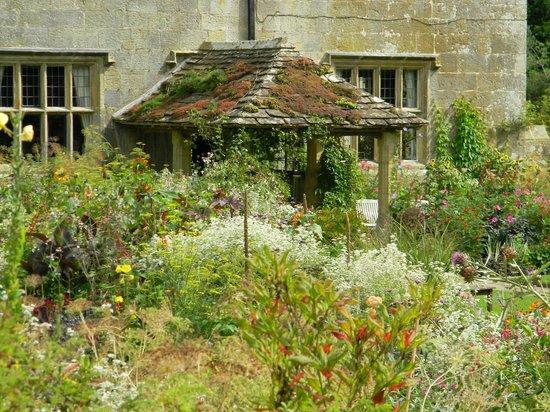 Gravetye Manor Hotel and Restaurant: Moss