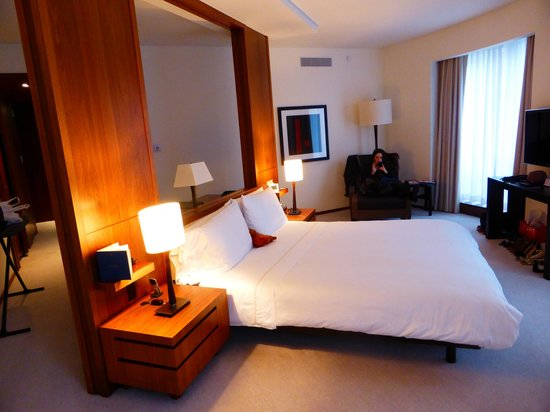 Langham Place, Fifth Avenue: Room