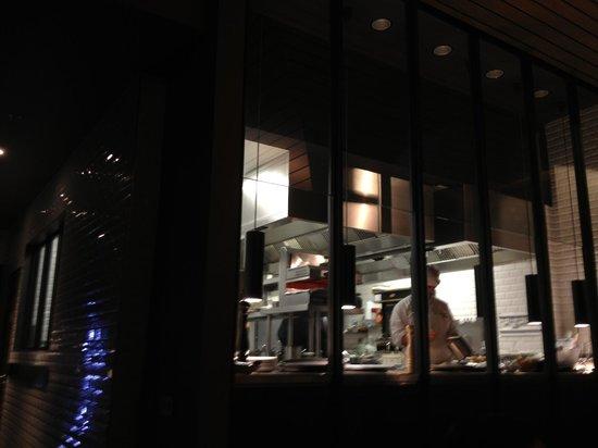 Terroir Parisien de Yannick Alleno – Maison de la Mutualite: Vue de la Cuisine