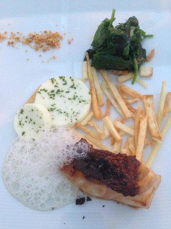 Restaurants Schoengruen: Sandre Teriyaki et épinards printanier