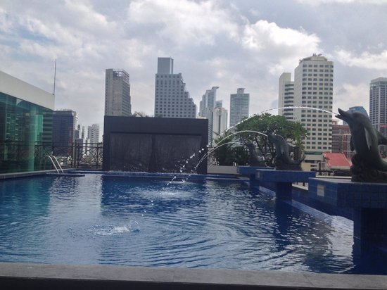Admiral Premier Bangkok by Compass Hospitality : Swimming pool