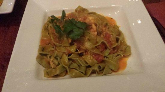E Tutto Qua: Delicious pasta with lobster