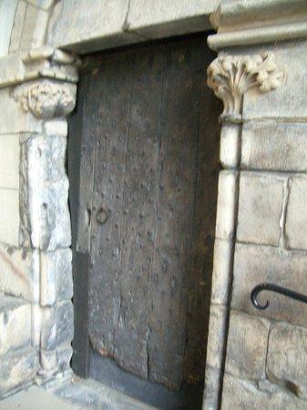 Palace of Holyroodhouse: An ancient door at Holyrood