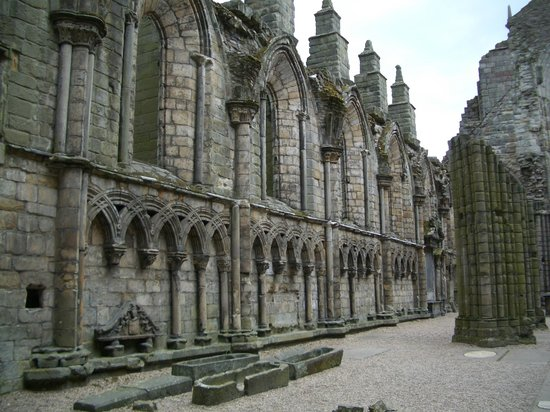 Palace of Holyroodhouse: Holyrood Abbey Ruins