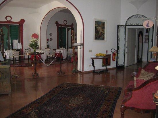 Hotel Poseidon: Entrance to restaurant II Tridente