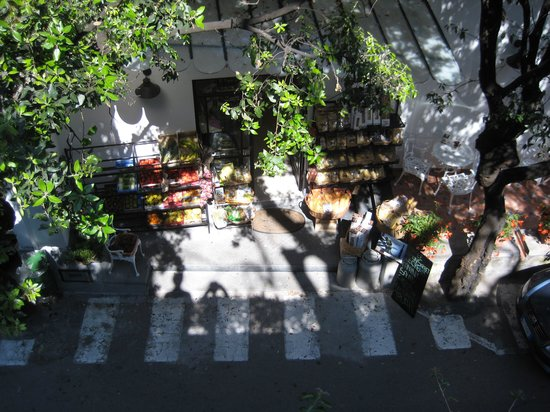 Hotel Poseidon: small deli/grocery store right across the street