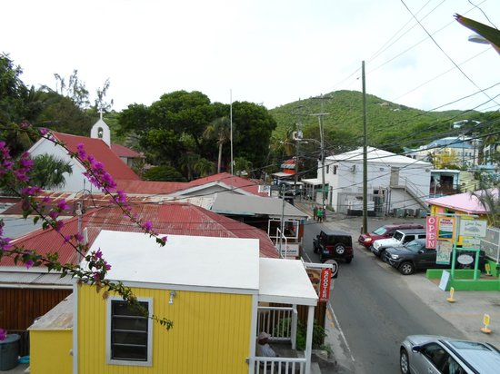 Cruz Bay Boutique Hotel: View of the local streets